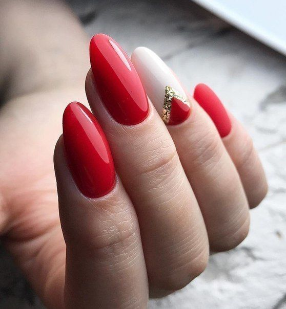 Beige red nails with patterns