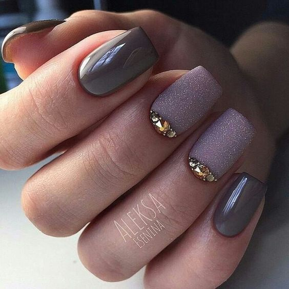 Dark gray nails with brocade