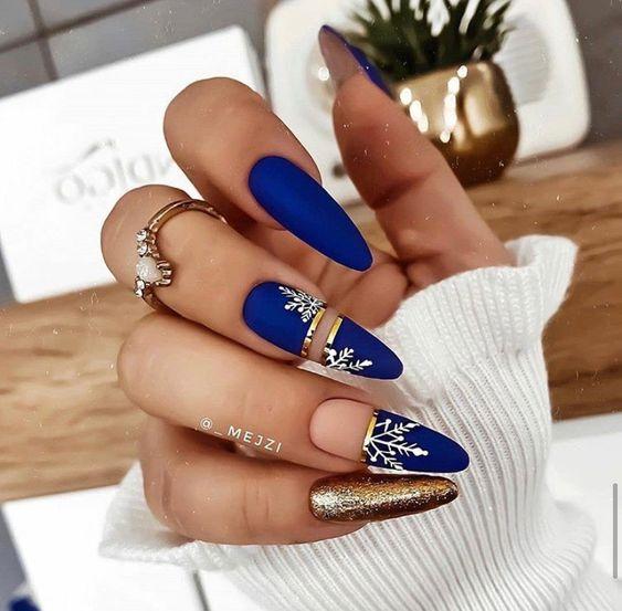 Golden navy blue nails