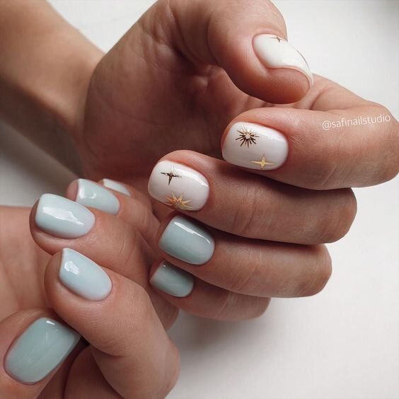 Gray nails with patterns