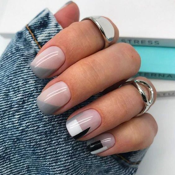 Natural nails with gray patterns