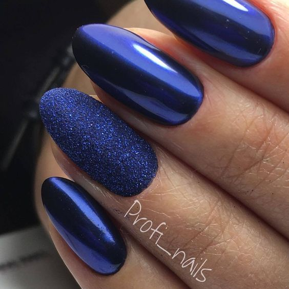 Navy blue nails with powder