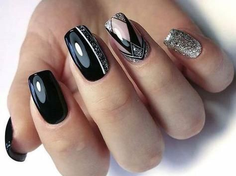 Black short nails with patterns