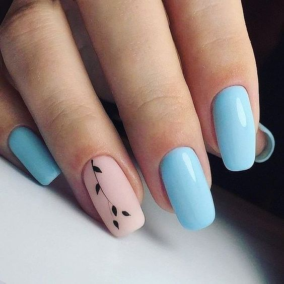 Blue nails with flowers