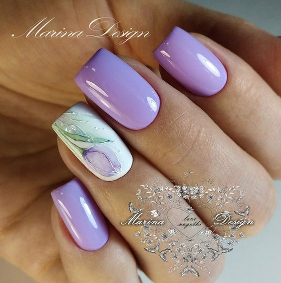 Heather nails with flowers