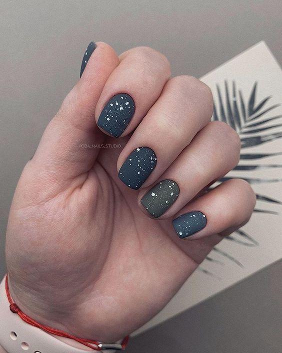 Matte short nails design