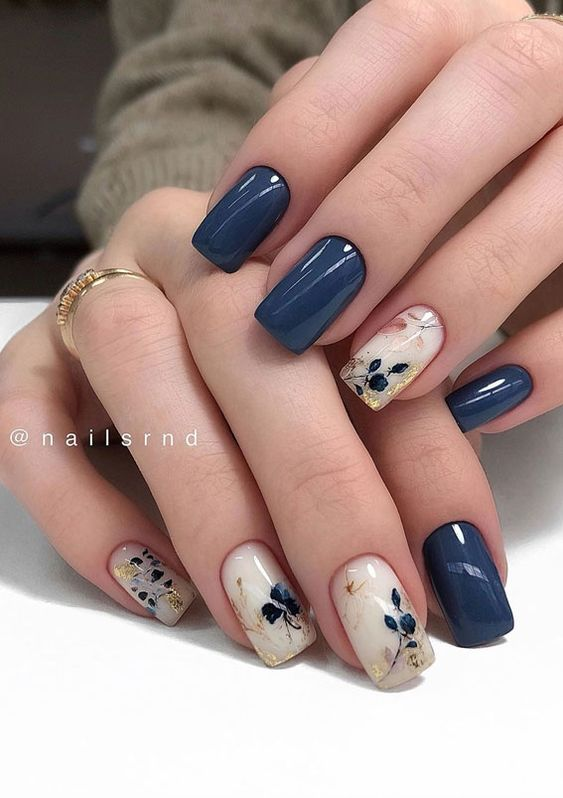 Navy blue nails with flowers