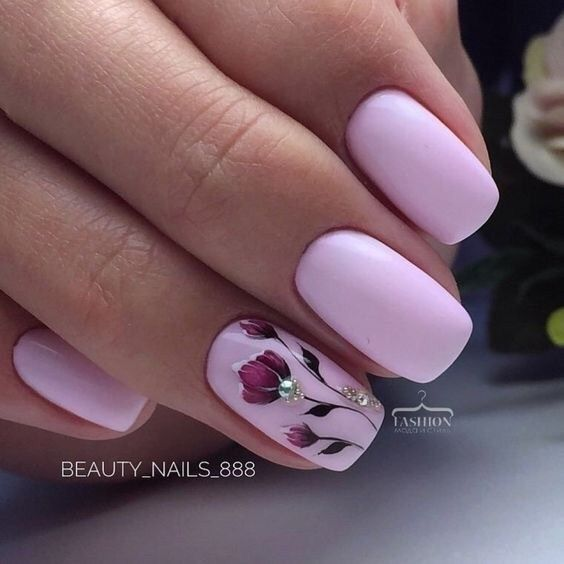 Pink nails with flowers