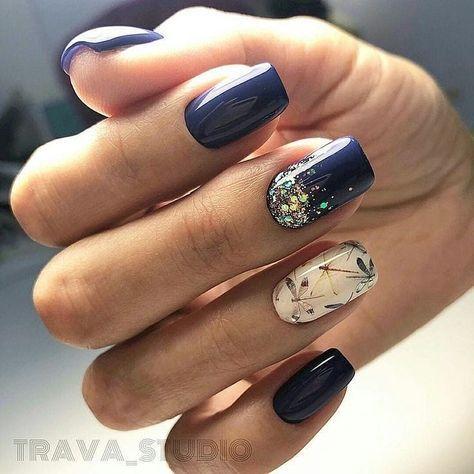 Short blue nails design