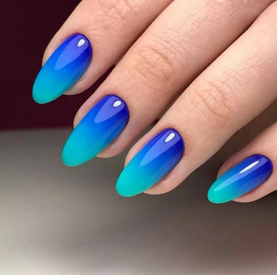 Blue nails with ombre