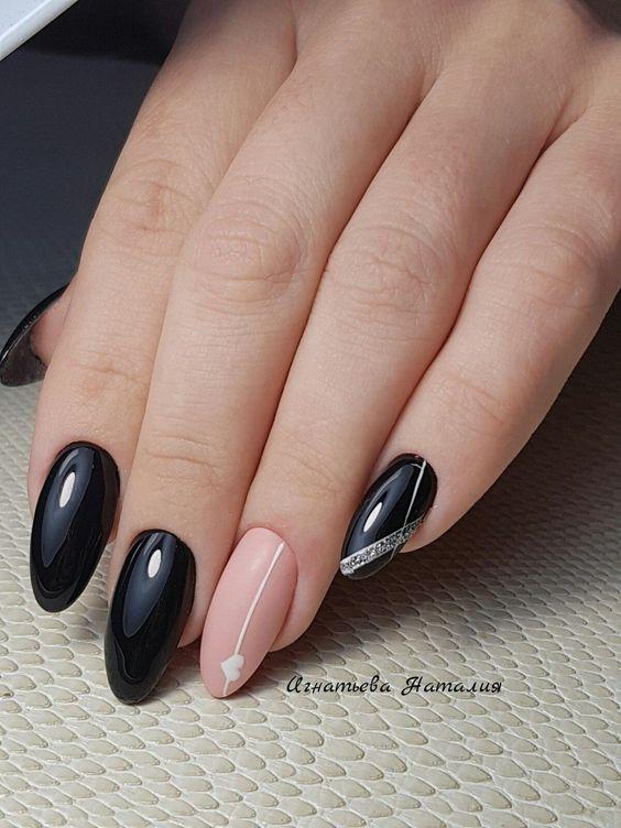 Elegant black beige nails