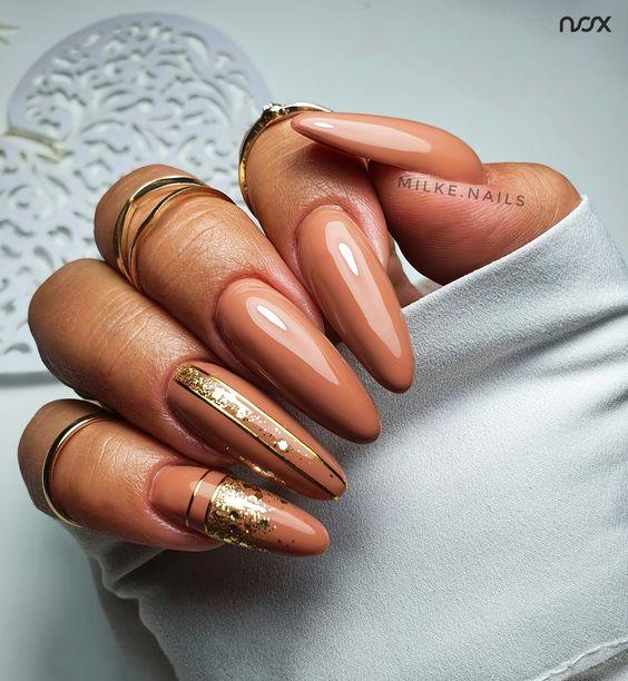 Elegant brown nails