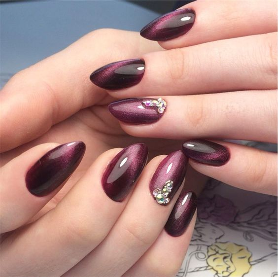 Elegant cat eye nails