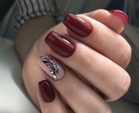 Elegant dark red nails