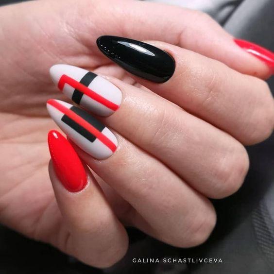 Elegant red nails