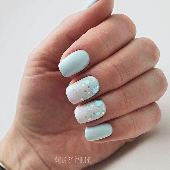Fresh pastel nails