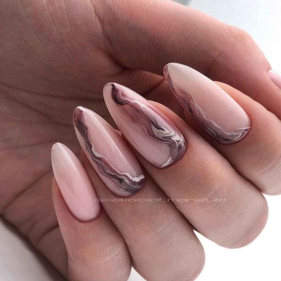 Marble effect nails