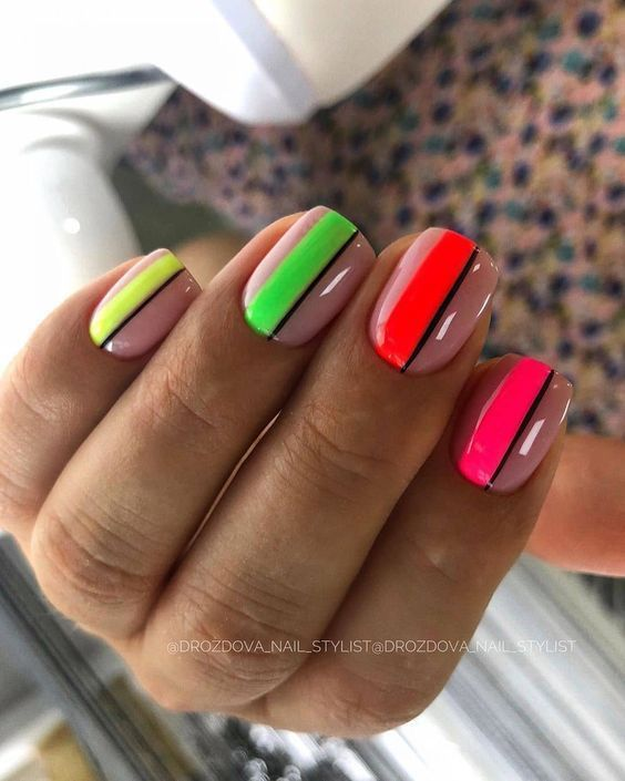 Nails with neon patterns