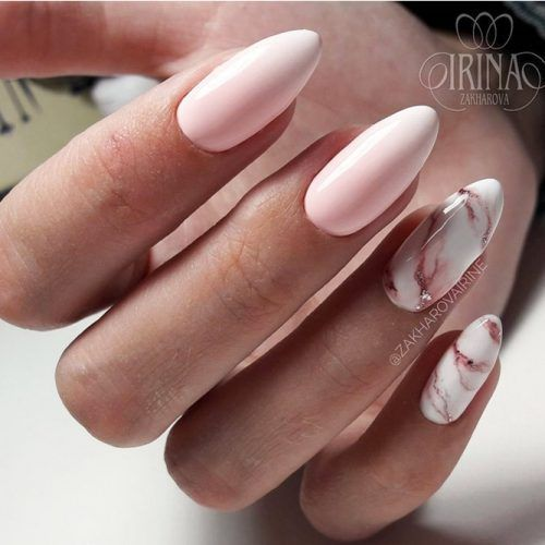 White nails with marble effect