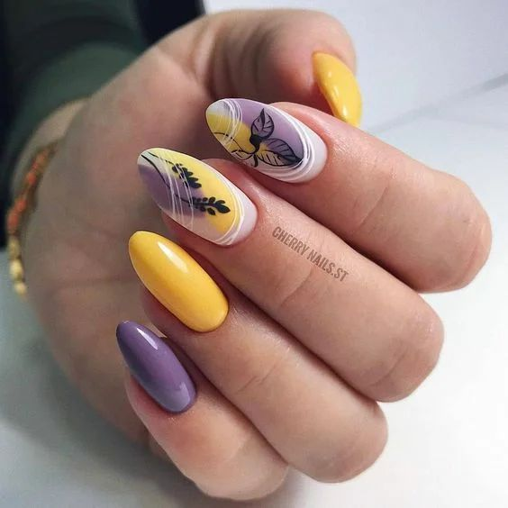 Colorful nails for spring