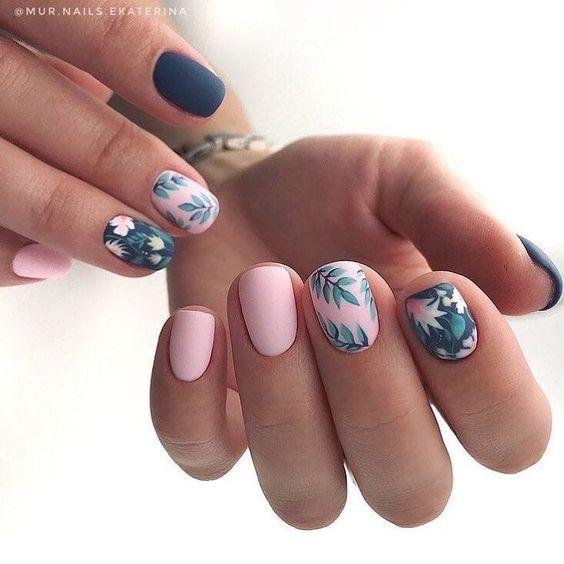 Matte manicure for spring