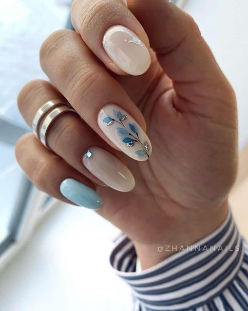 Spring nails with patterns